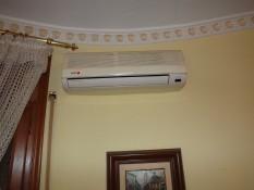 5_detalle-split-climatizacion-en-salon.jpg